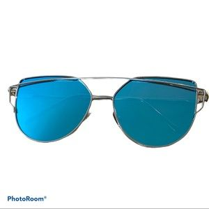 NEW! Blue mirrored sunglasses with gold trim